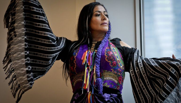Academia Latina reconoce a Lila Downs y Dayanara Torres
