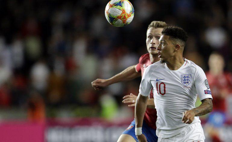 Detienen a 31 hinchas antes del partido R.Checa-Inglaterra