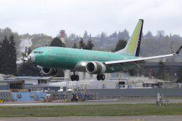 culpan a boeing y faa por certificacion del 737 max