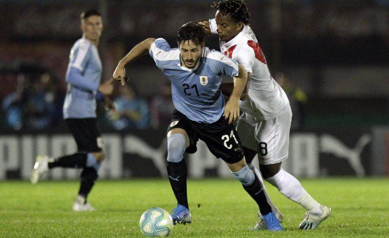 Sin Suárez ni Cavani, Uruguay vence 1-0 a Perú