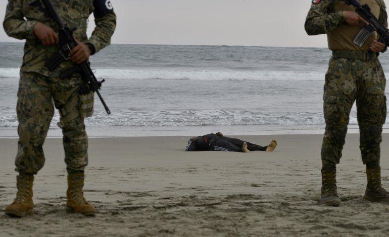 México: Un migrante muerto y dos desaparecidos en naufragio