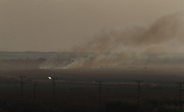 Fuerzas turcas toman control de pueblo fronterizo sirio