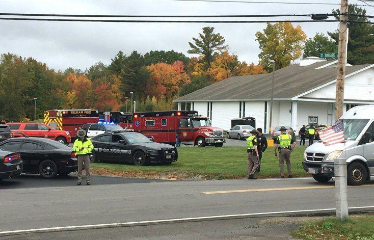 Nueva Hampshire: Hombre hiere a tiros a dos en iglesia