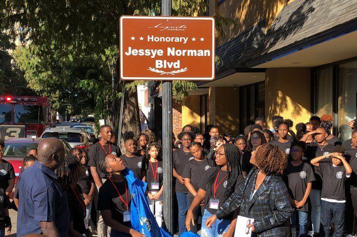 Inicia funeral de cantante de ópera Jessye Norman en Georgia