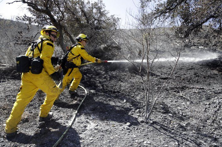 Incendios forestales dejan 3 muertos en sur de California