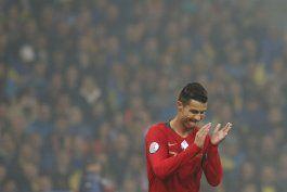 cristiano llega a 700 goles, pero portugal cae ante ucrania