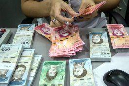 aumenta el salario minimo en venezuela: queda en un equivalente a 7,6 dolares