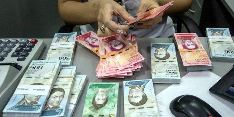 Aumenta el salario mínimo en Venezuela: queda en un equivalente a 7,6 dólares