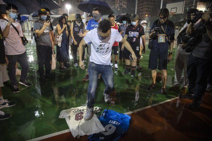 LeBron, nuevo actor en crisis NBA-China