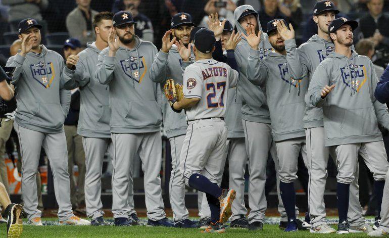 Altuve y Cole aquietan a Yanquis, Astros arriba 2-1