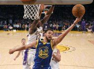 veteranos curry y green, lideres de renovados warriors