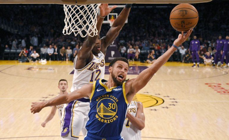 Veteranos Curry y Green, líderes de renovados Warriors