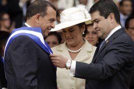 fiscal enumera supuestos sobornos a presidente de honduras