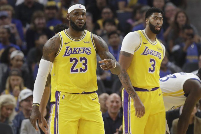 Davis y LeBron comienzan su sociedad en Lakers