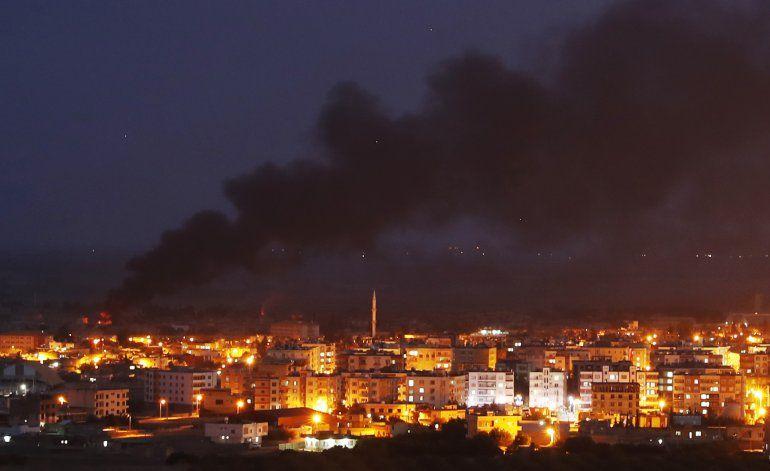 Comandante kurdo: Trump autorizó acuerdo con Rusia y Damasco