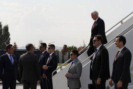 pence se reune con erdogan, busca cese de fuego en siria