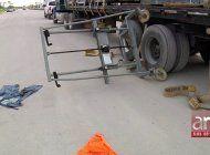 un trabajador resulto herido este viernes tras caerle sobre su cuerpo la carga de un camion en hialeah