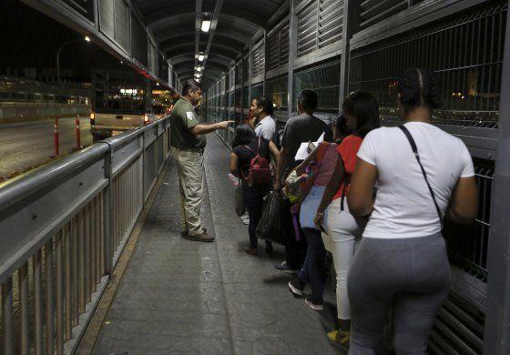 Crece proporción de mexicanos que piden asilo en EEUU
