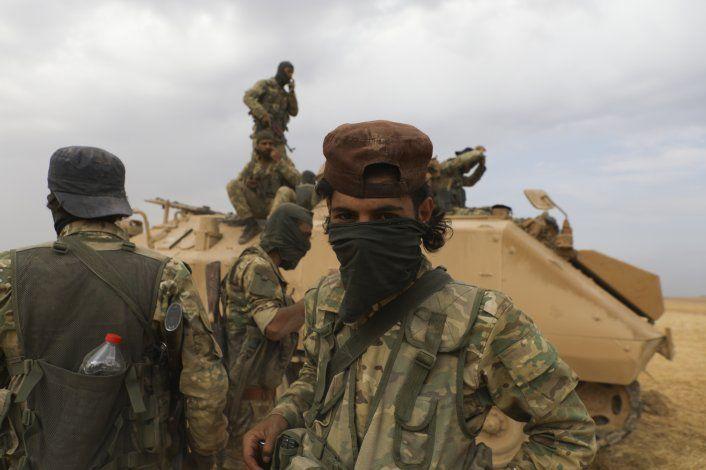 Trump elogia tregua entre turcos y kurdos, que parece frágil