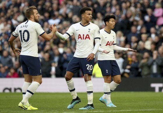 Tottenham vuelve a tropezar y el City vence al Palace