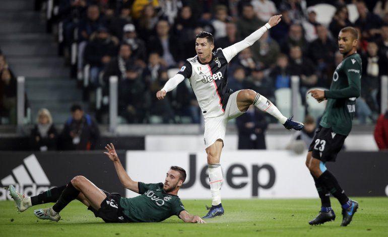 Con su gambeta tradicional, Cristiano anota y Juve gana