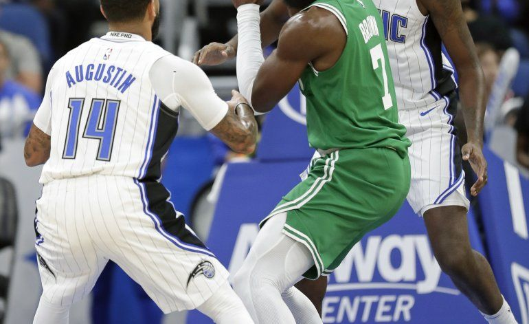 Celtics extienden el contrato del alero Jaylen Brown