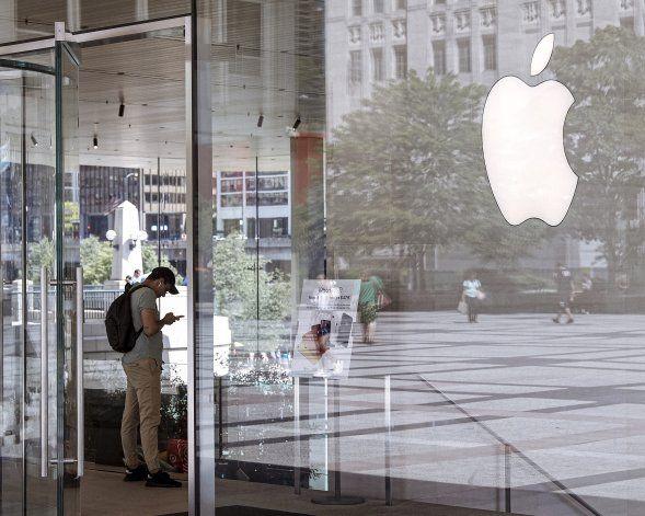 Pese a bache de iPhone, Apple excede expectativas