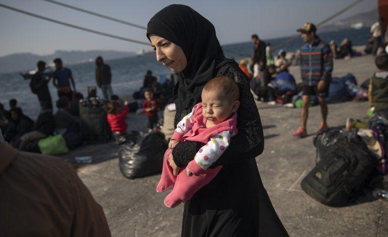 Enviada de derechos insta a Grecia a reubicar a migrantes