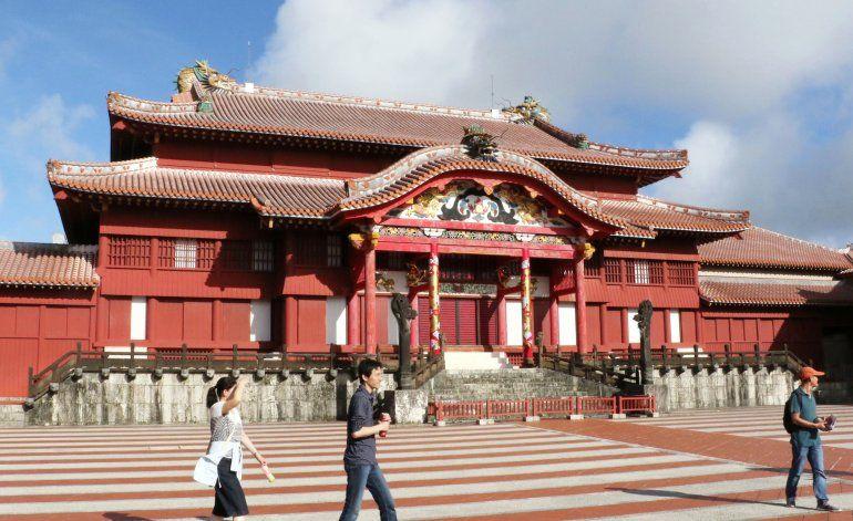 Incendio destruye el histórico castillo Shuri en Japón