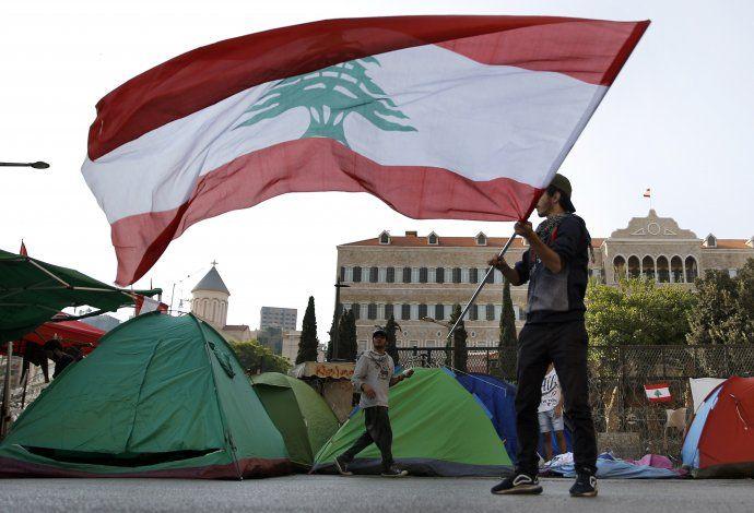 Líbano sin poder reabrir vías en medio de protestas