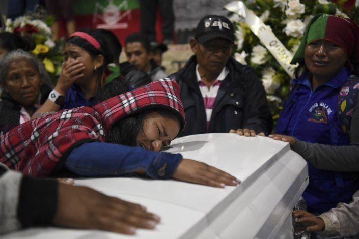 Velan a cinco indígenas asesinados por disidentes de FARC