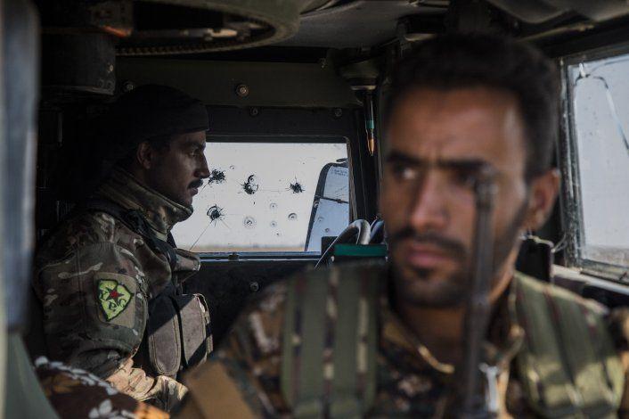Turquía dice que capturó 18 soldados sirios en Siria
