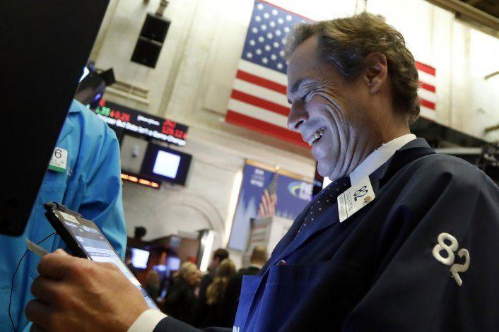 Wall Street cierra con pérdidas; bancos, los más afectados