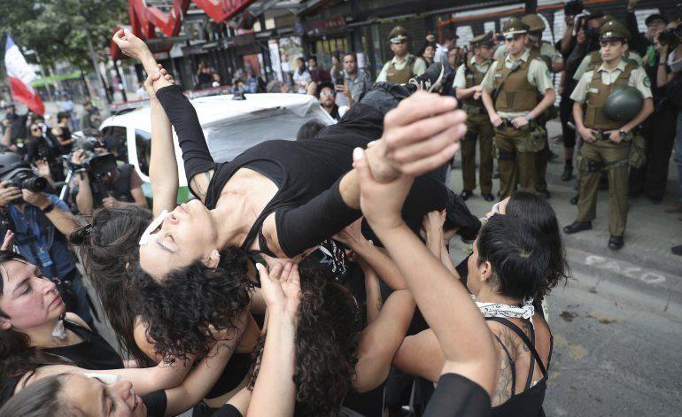 ¿Rusia aviva protestas en Chile?