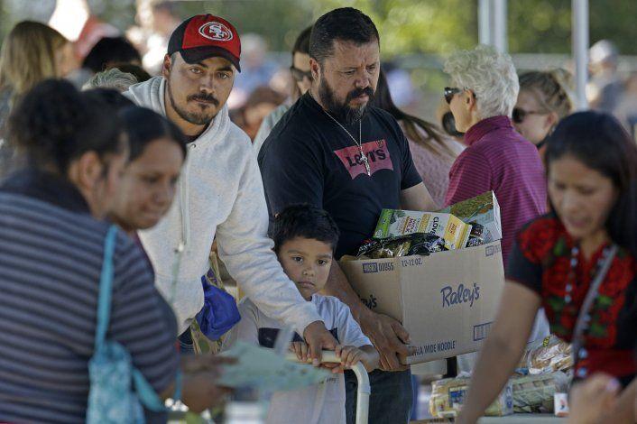 Informan en español a migrantes sobre incendio en California