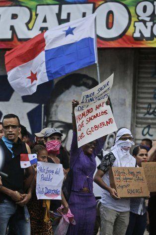 Presidente pide diálogo por reforma constitucional en Panamá