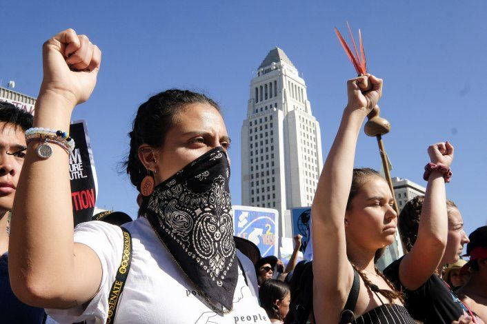 En California, Thunberg pide combatir calentamiento global