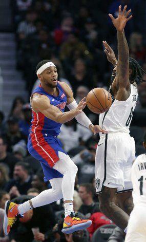Drummond y Brown conducen a Pistons a victoria ante Nets