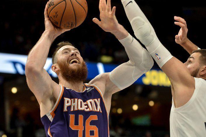 Booker y Baynes guían a Suns a triunfo ante Grizzlies