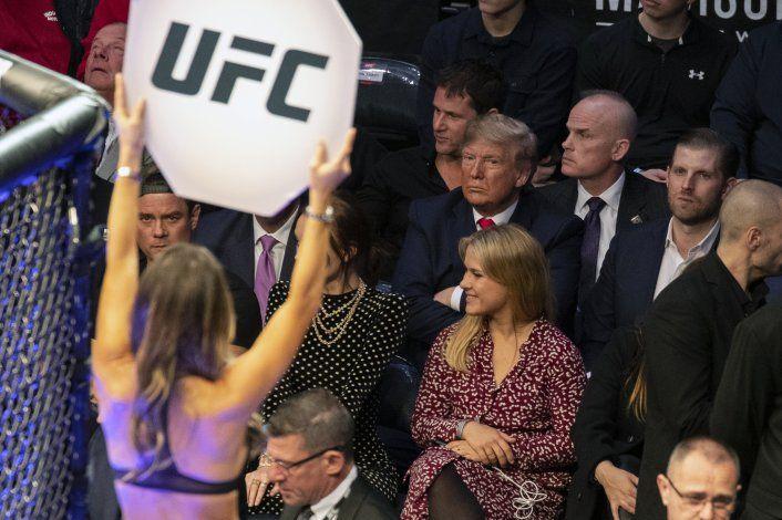 Trump asiste a otro evento deportivo, ahora en UFC