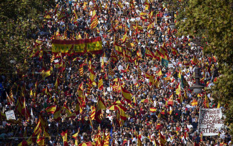 La violencia alarma a catalanes no independentistas