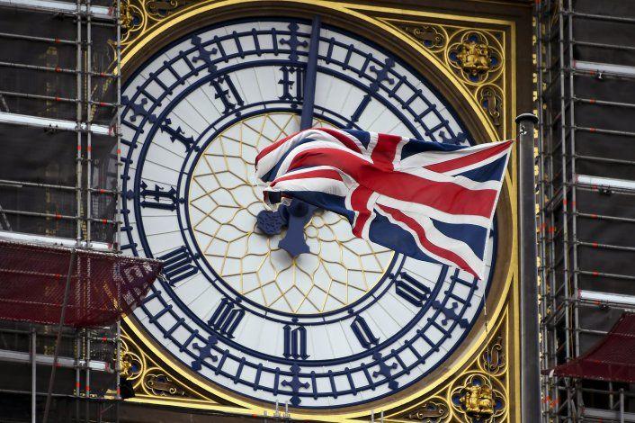 Francia advierte que fecha de Brexit no es negociable