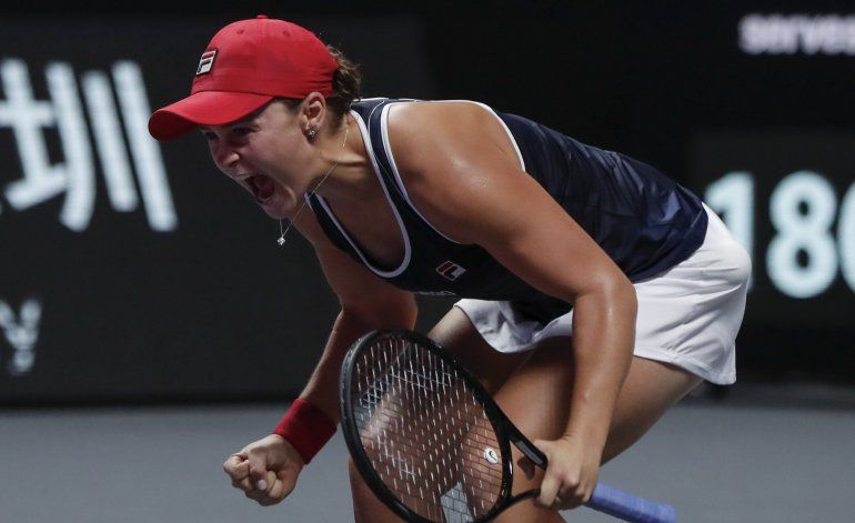 Barty vence a Svitolina para ganar Finales de la WTA