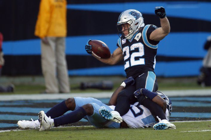 McCaffrey anota 3 veces; Panthers derrotan a Titans