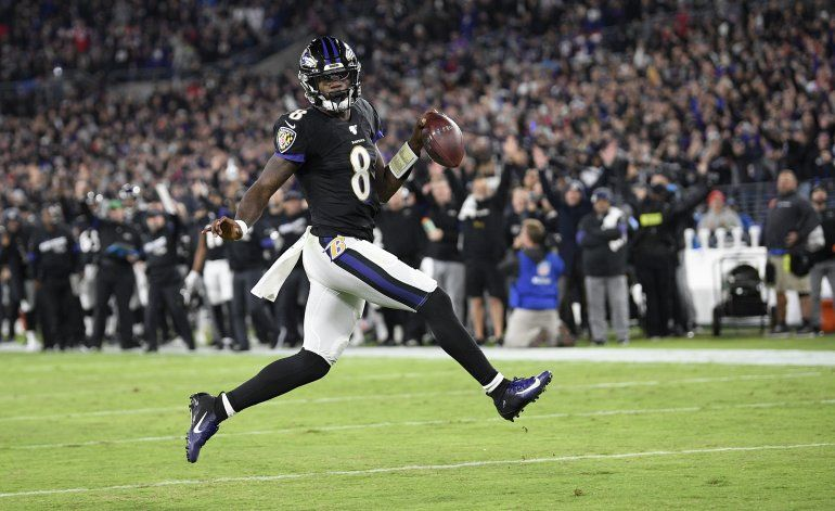 Ravens doblegan a Patriots y les quitan el invicto