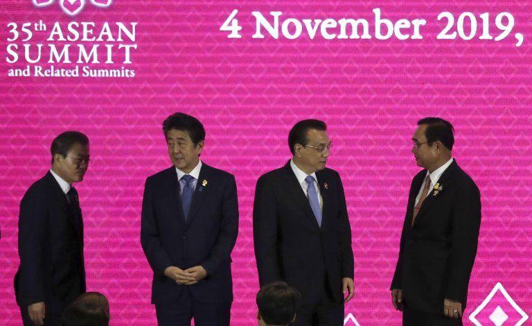 Cumbre ASEAN: 7 de 10 líderes no acuden a reunión con EEUU