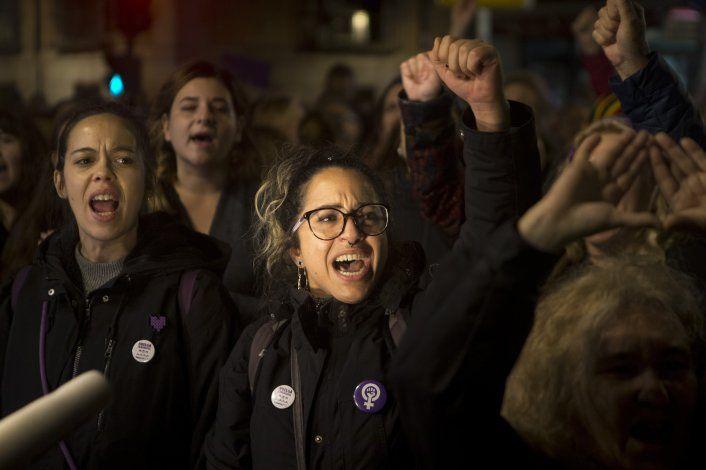 España: Miles protestan por fallo sobre violación en grupo