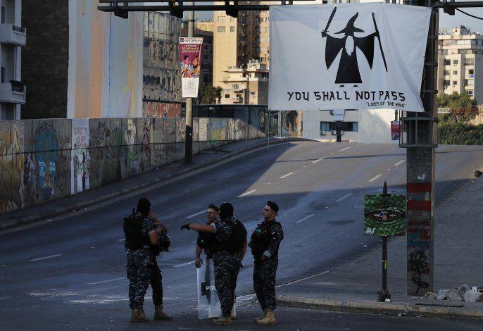 Tropas libaneses abren calles cerradas por manifestantes