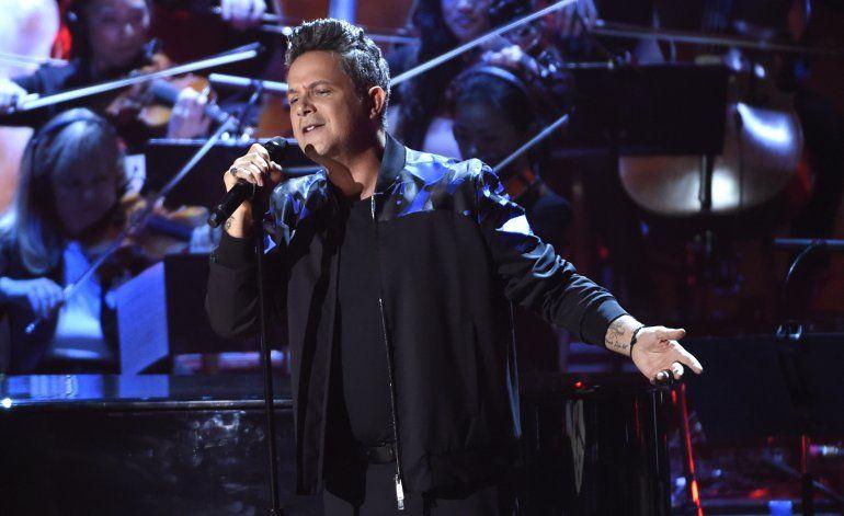 Capó, Fonsi, Rosalía y Sanz actuarán en los Latin Grammy