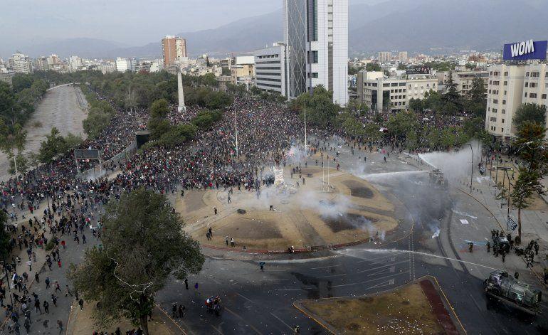 Chile suspende amistoso con Bolivia y ratifica con Perú
